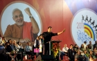 Akshay Kumar urging the crowd to play unified with Special Olympics athletes.