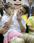 Tim Shriver with Wu Lei at 2007 Special Olympics World Summer Games in Shanghai, China.